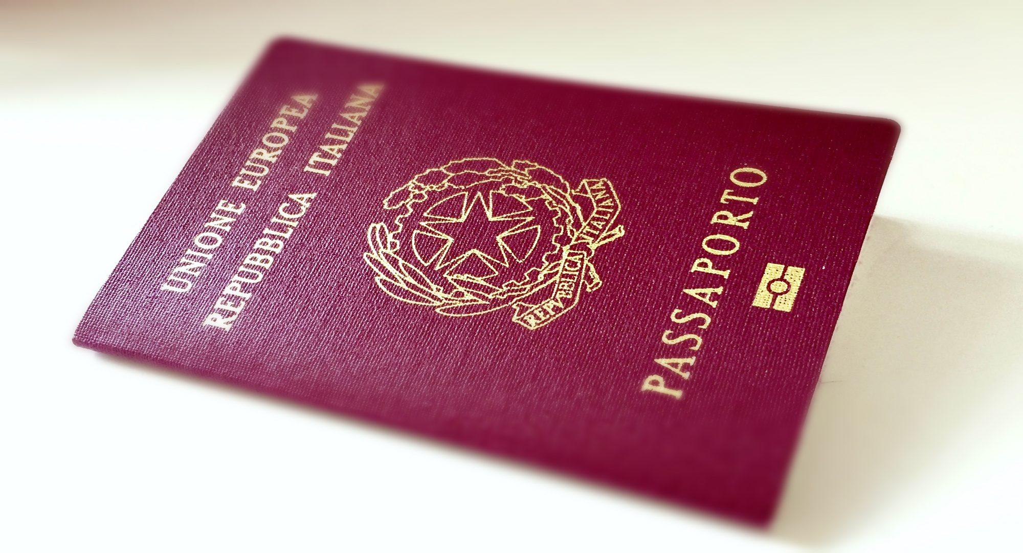 Rinnovo passaporti cambiano le regole dogma tours for A quanti mesi i cani cambiano i denti